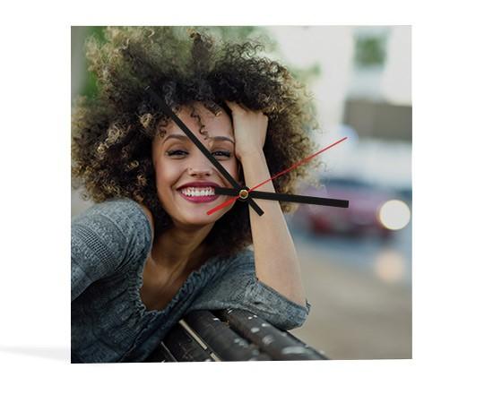 f0fc6bb436 orologio quadrato personalizzato con grafiche; realizza un orologio  personalizzato con foto - disponibile in varie dimensioni; personalizza ...