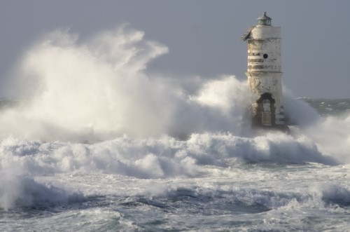 Lighthouse with waves